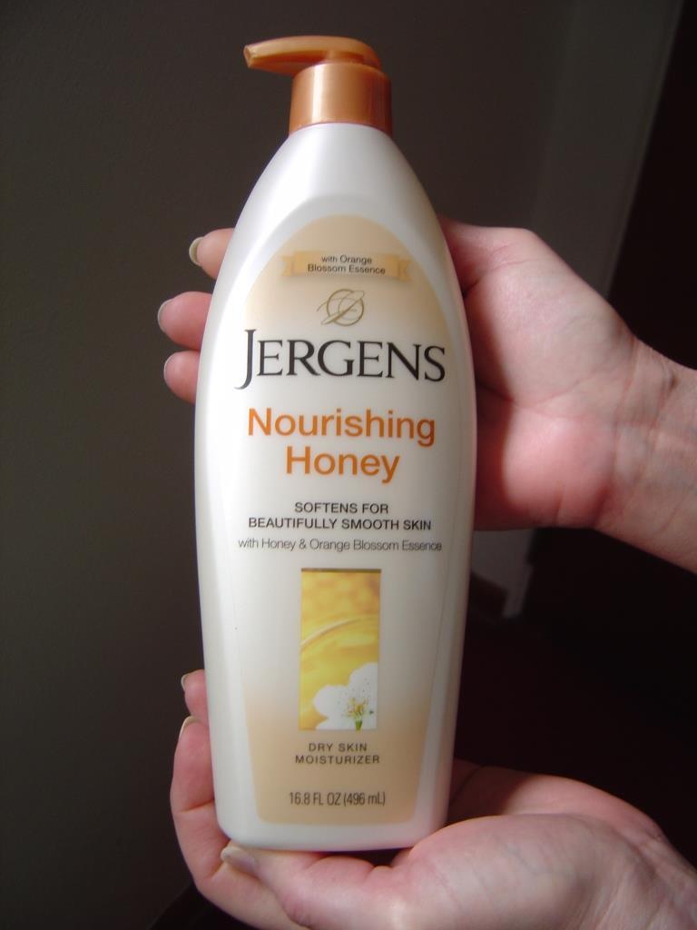 Jergen's Nourishing Honey Dry Skin Moisturizer