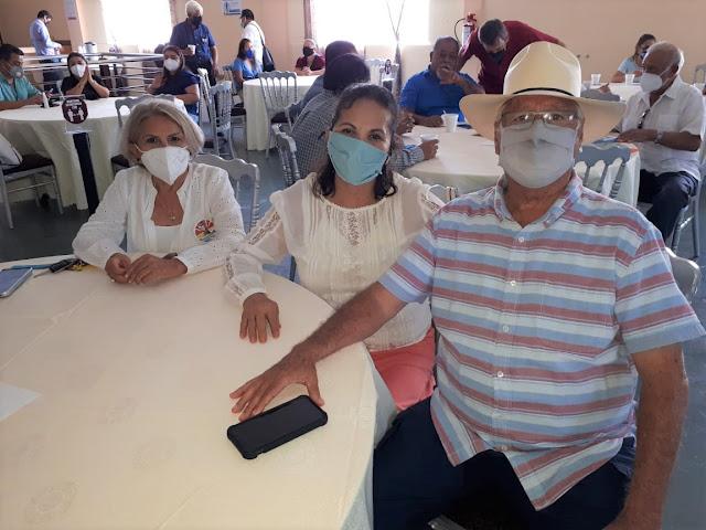 Lupita Castillo, Maricruz Martínez y Guillermo del Rosario.