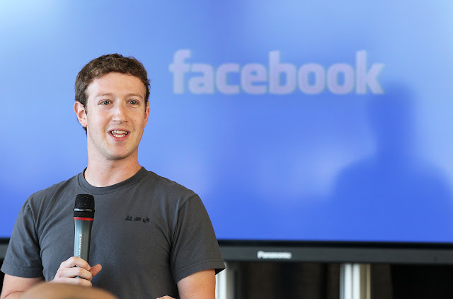 Facebook के अब 50 फीसदी कर्मचारी  पूरे 10 साल तक कर सकेंगे घर से ही काम