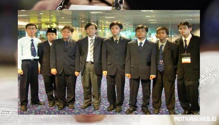 Kisah Motivasi Tulisan Singkat Prof Yohanes Surya dari Olimpiade Fisika Dunia ke 37 Singapore 2006
