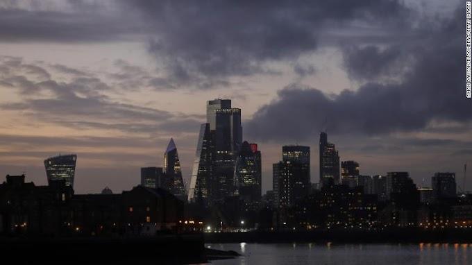 Nueva variante de Covid-19 identificada en el Reino Unido, dice el ministro, mientras Londres regresa al estricto bloqueo