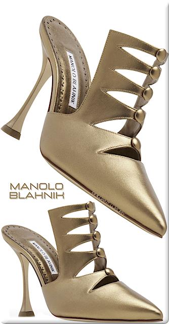 ♦Manolo Blahnik Bislo light gold nappa leather cut out detail mules #manoloblahnik #shoes #brilliantluxury