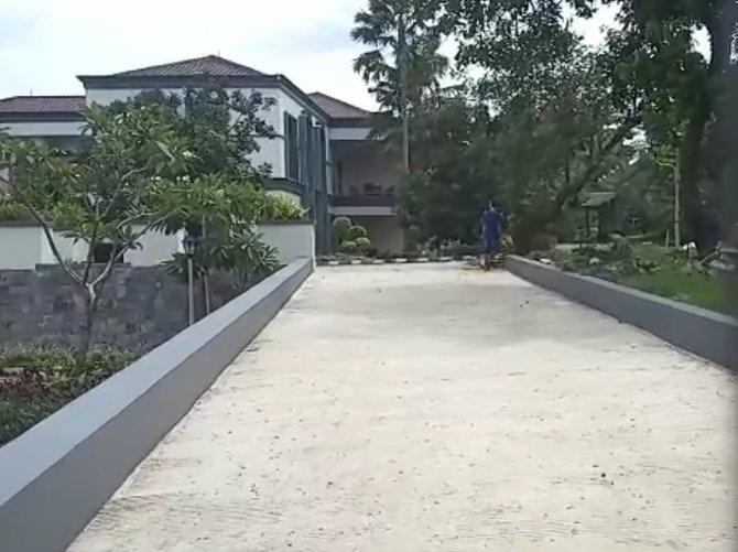 Rumah Saibun Sinaga yang berada di Depok, orang tua dari Reynhard Sinaga
