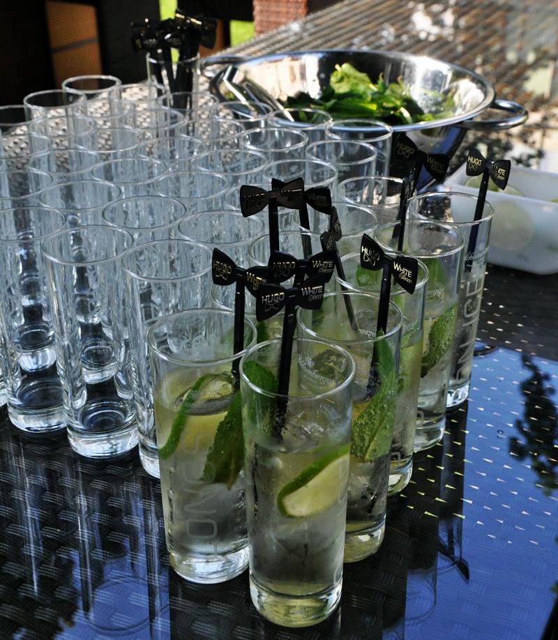 HUGO - AN EASY & DELICIOUS SUMMER DRINK •