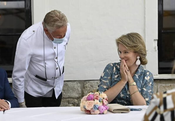 Queen Mathilde wore a new leaves printed floral half-long dress by Natan
