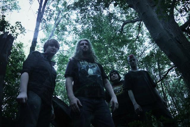 Ominous Eclipse: Death Metal Híbrido canadense estreia 'Spiral Into Insanity' via Decibel Mag