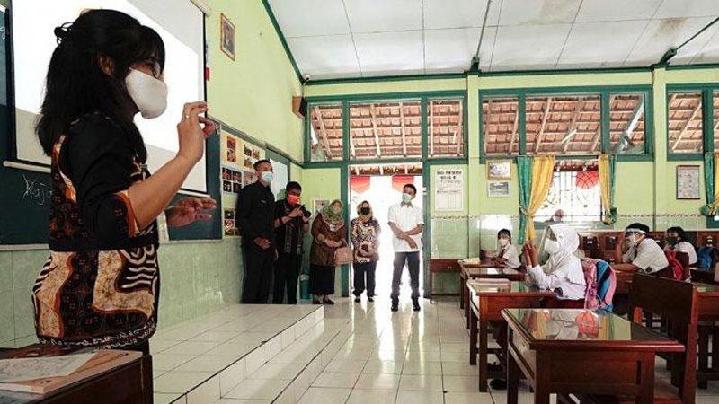Sekolah Wajib Buka PTM dan Aktivitas Ini Dilarang Selama PTM