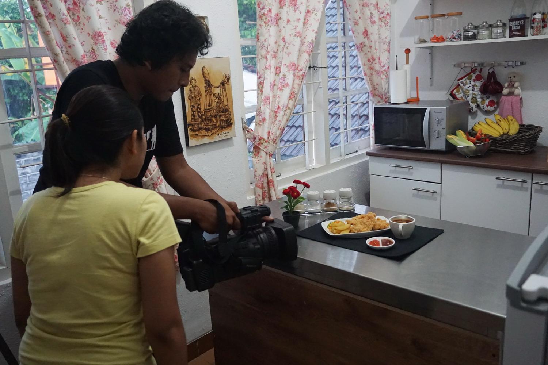 Diah Didi s Kitchen Serunya Syuting Beneran Di Dapur D
