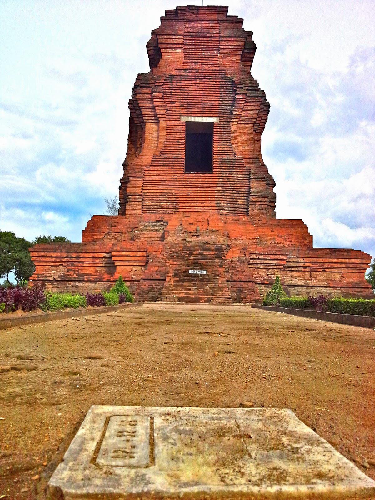 wisata sejarah candi brahu
