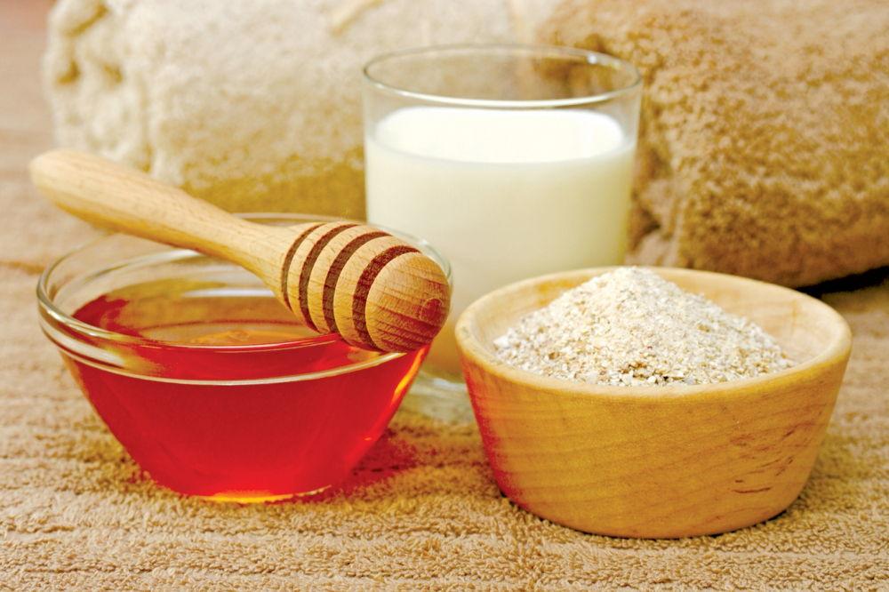 Mặt nạ dưỡng da hiệu quả trong mùa hè từ baking soda và mật ong
