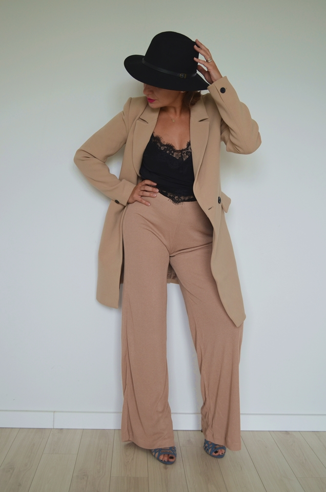 Black & Beige Summer Sale Outfit