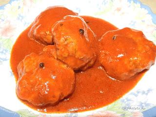 Chiftele marinate in sos tomat reteta de casa traditionala cu carne tocata de porc rosii bulion retete culinare mancare chiftelute parjoale,