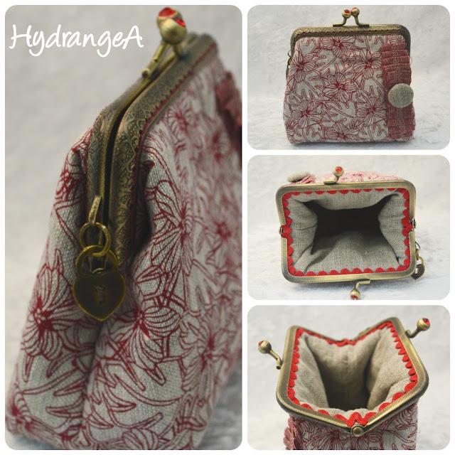 monedero en tela de lino crudo y lino con flores rojas, con boquilla metálica rectangular