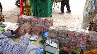 The streets of Hargeisa are filled with money makers