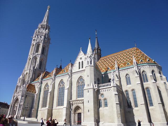 Iglesia de Matías (Budapest) (@mibaulviajero)