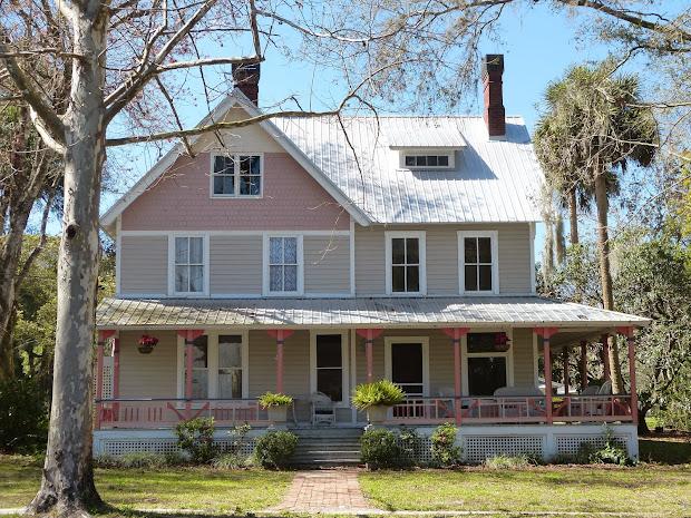 Treasure Seekers Historic Walking Tour In Lake Helen Florida