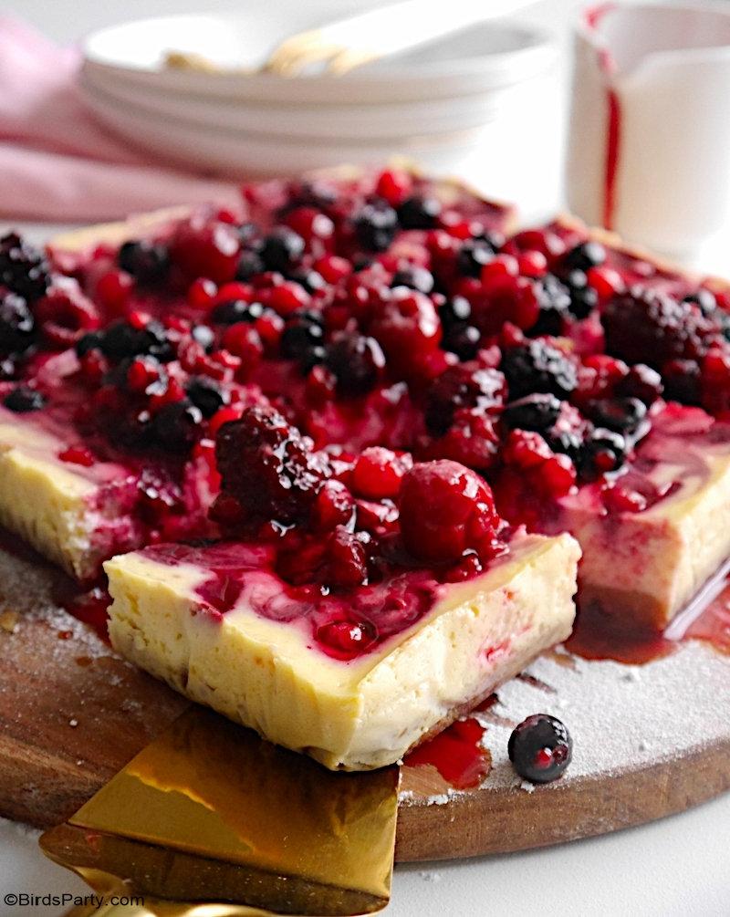 Cheesecake aux Baies d'été - aux baies d'été - un dessert facile, délicieux et rapide, parfait pour utiliser des baies d'été fraîches ou congelées!