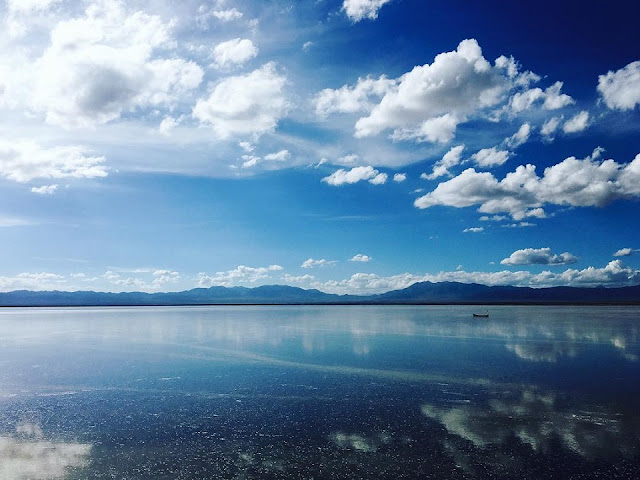 Hồ muối Chaka nằm ở độ cao 3.059m so với mực nước biển