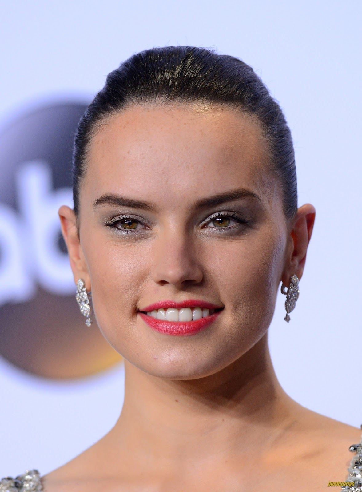 Daisy Ridley - Star Wars Actress Photo Gallery 1