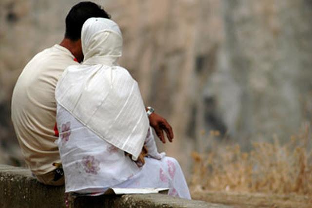 Sering Dilakukan Para Istri, Ini Hukum Curhat Pada Suami Orang, Para Istri Wajib Baca!