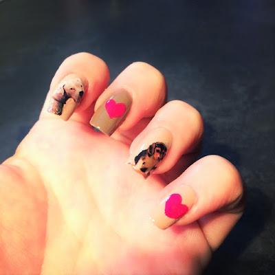 Tutorial nail art creata con la tecnica del decoupage per creare gli adesivi fai da te
