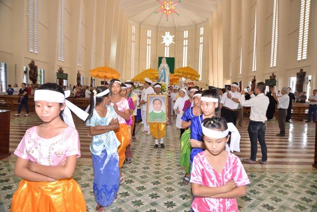 Thánh Lễ an táng Cha Phêrô Bùi Thanh Xuân - Gp Vĩnh Long - Ảnh minh hoạ 15