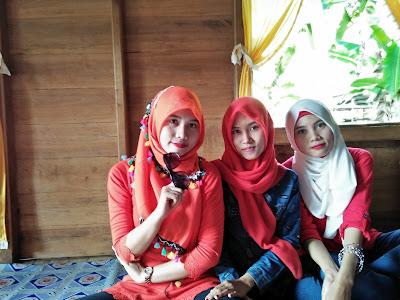 Tiga bersaudara