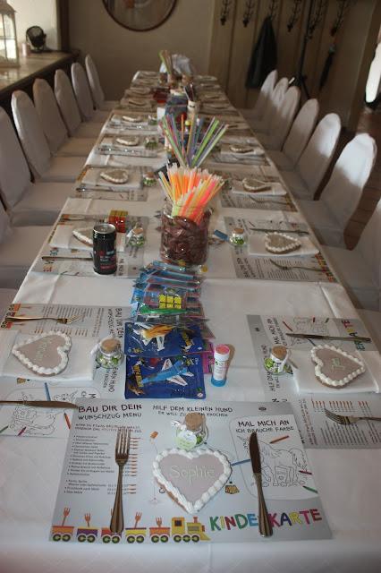 Kindertisch, kids table, Romantische Herbsthochzeit in den Bergen von Garmisch-Partenkirchen, Vintage-Style, heiraten im Hochzeitshotel Riessersee Hotel; wedding destination abroad Bavaria, Fall mountain wedding