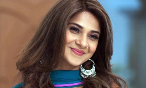beyhadh actress jennifer winget smile most followed instagram