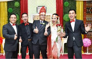 Foto Baju Pernikahan Adat Batak