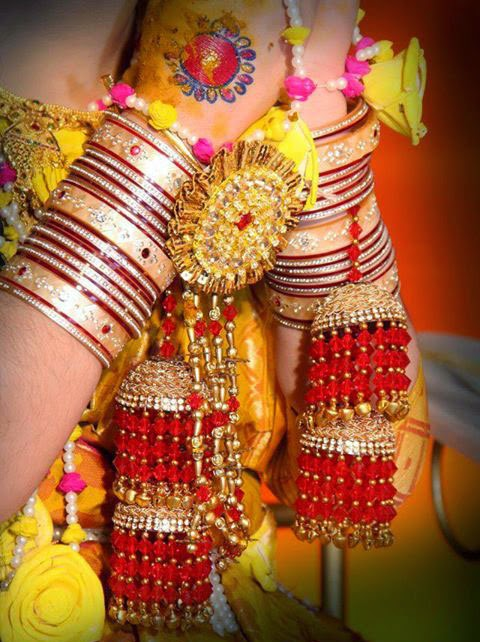 Wedding Snaps: Biyer SajWedding Snaps