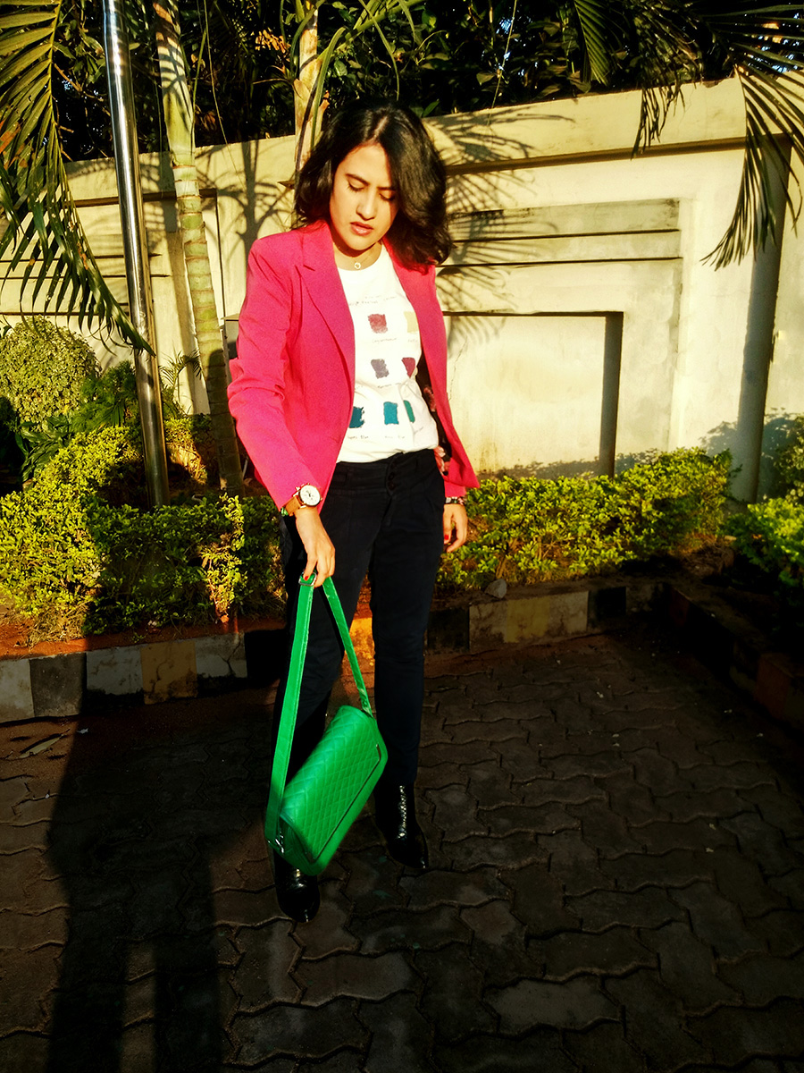 Levi's graphic tee,Zara blue Trouser, Mango boots,Only pink blazer,fashion blogger