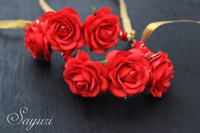 Red rose anklets