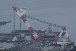 クレーン船「洋翔」