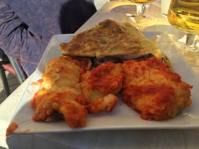 Bar Bremen de Aldaia - Bacalao con tomate y tortilla de champiñones