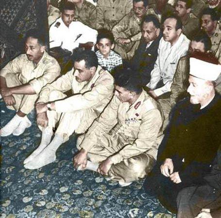 https://i2.wp.com/1.bp.blogspot.com/-SQ31soxFXdQ/Tal2_ycSc-I/AAAAAAAABZU/qNu89D8N0wA/s1600/Gran+Mufti+con+Naguib%2C+Nasser%2C+Sadat+1953.jpeg