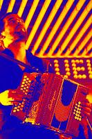 http://musicaengalego.blogspot.com.es/2016/04/fotos-ialma-camino-na-sala-riquela.html