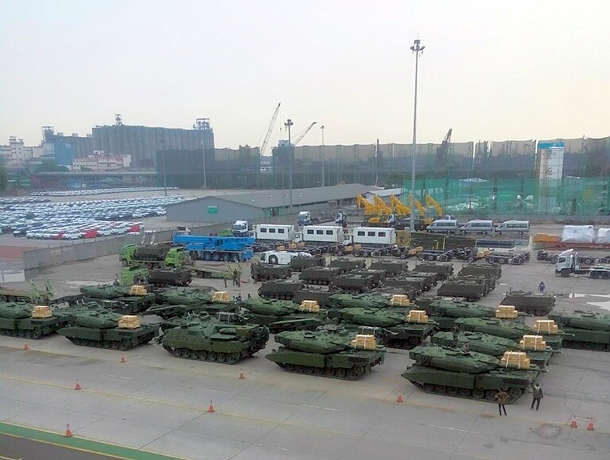 Leopard 2 +  M113 A1- TNI