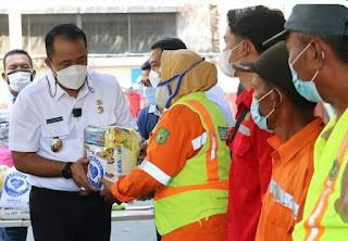 Wakil Wali Kota Medan Apresiasi Supermarket Berastagi Berikan CSR Sembako Kepada Masyarakat Terdampak Covid-19.