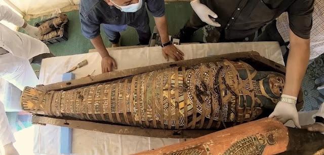 Mesir menemukan ratusan peti mati utuh yang berusia 2.500 tahun