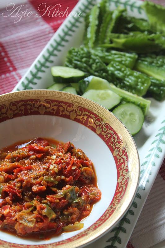 Sambal Belacan dan Ulam Ulaman - Azie Kitchen
