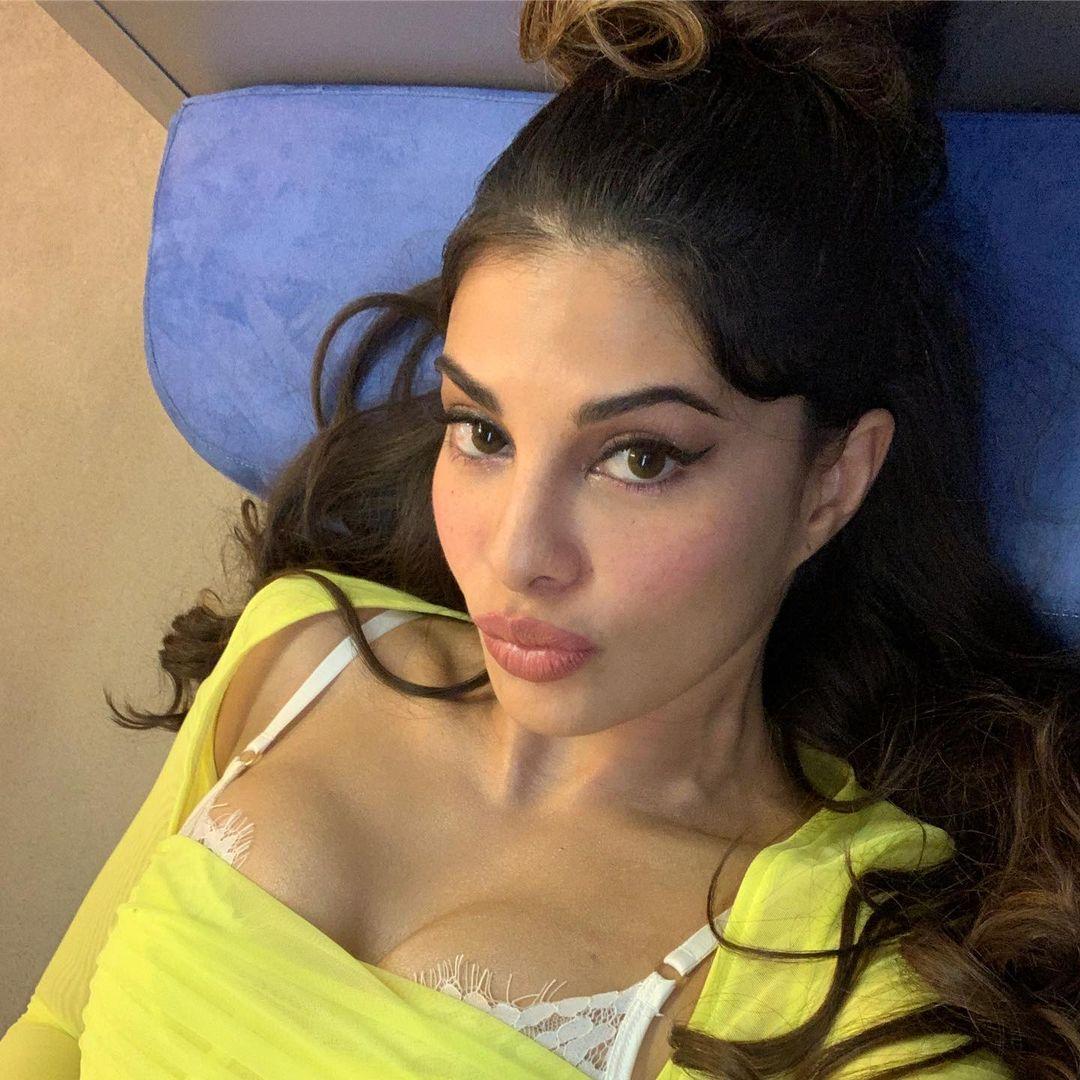 Jacqueline Fernandez big boobs pic