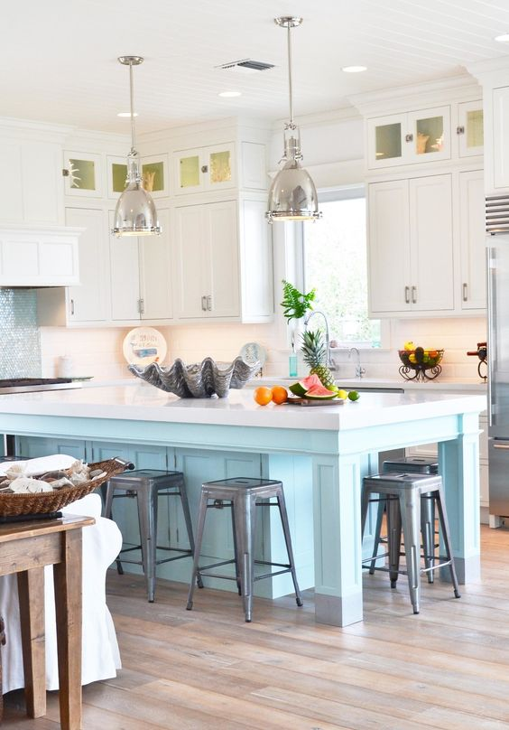The Creative Orchard: INSPIRE: COLORFUL Classic Kitchen
