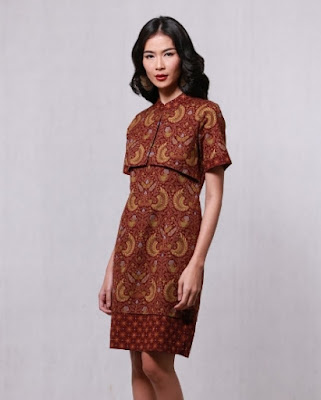 Ide baju batik keris untuk wanita