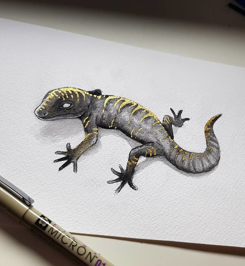 03-Golden-Gecko-Kleevia-Animal-Art-www-designstack-co
