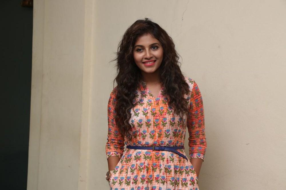 Actor Anjali Photos: Actress Anjali New Cute Photos