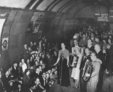 21 October 1940 worldwartwo.filminspector.com Blitz subway