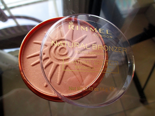 Affordable Fabulosity: Rimmel Natural Bronzer in 022 Sun Bronze Review ♥