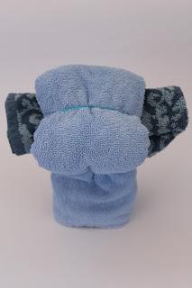 DIY-Basteltipp für einen Handtuch-Origami-Hund von ars vera