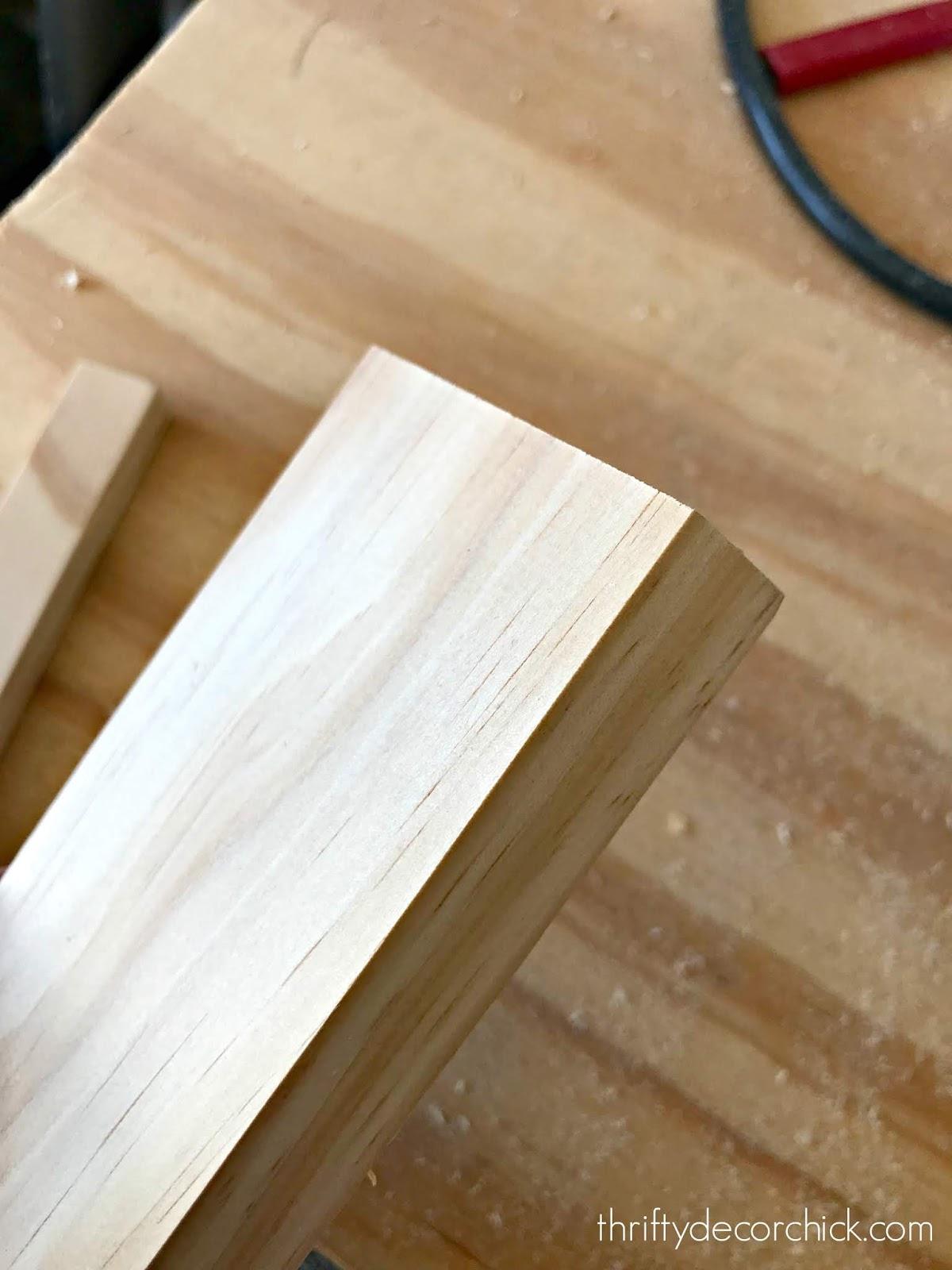 select pine trim piece, no knots